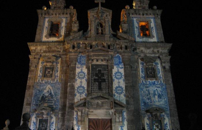 Fachada de la Iglesia de San Ildefonso qué ver en Oporto