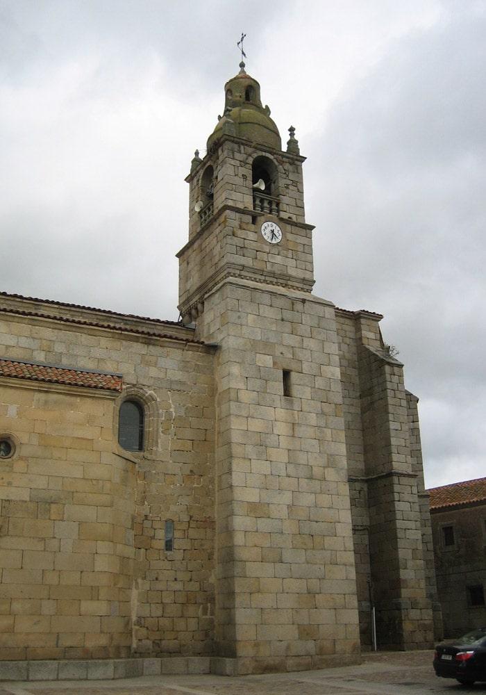 Iglesia de Nuestra Señora entres Dos Álamos de San Felicies de los Gallegos Puente de los Franceses