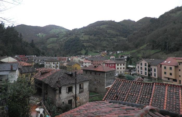 Belmonte de Miranda desde el Gran Hotel Rural Cela Ruta del Castañal