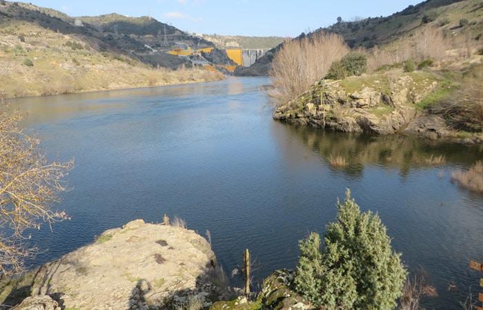 Punto en el que desemboca el río Tormes (derecha) en el Duero Ambasaguas