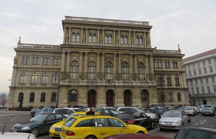 Academia de Ciencias Húngara