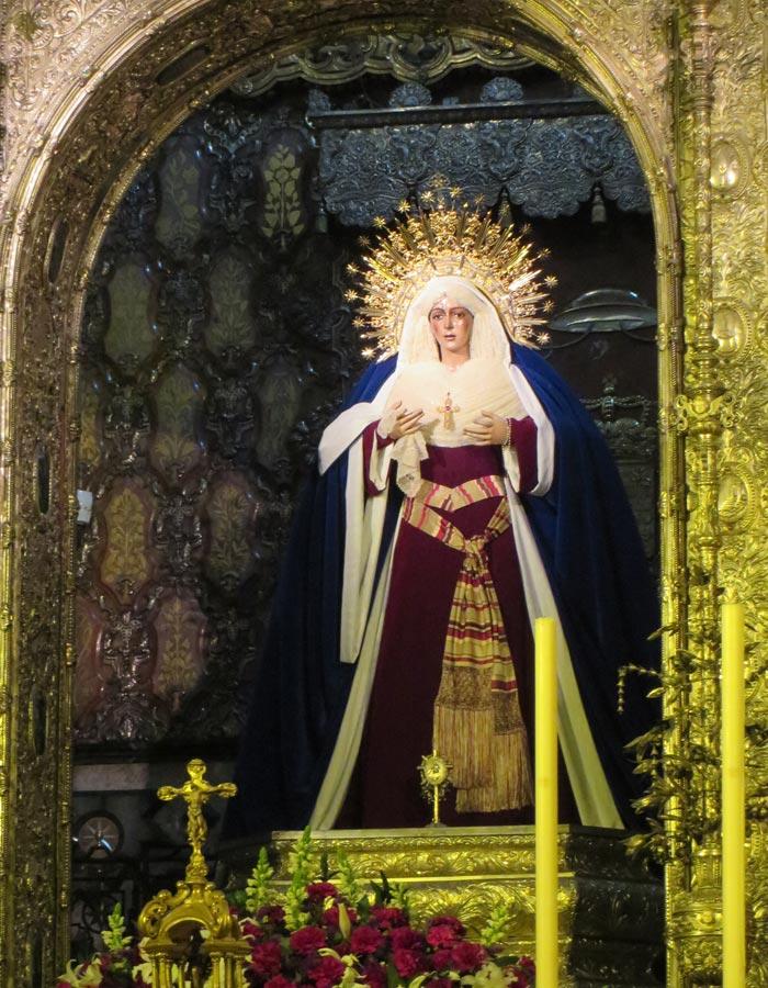 María Santísima de la Esperanza Macarena Coronada vírgenes de Sevilla
