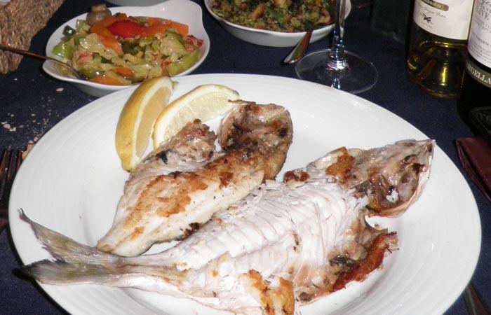Dorada a la brasa del O Batel comer en Aveiro