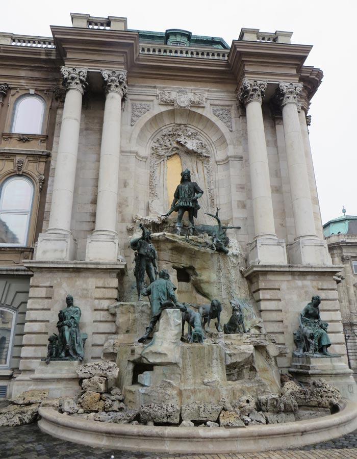 Fuente de Matías en el Castillo de Buda