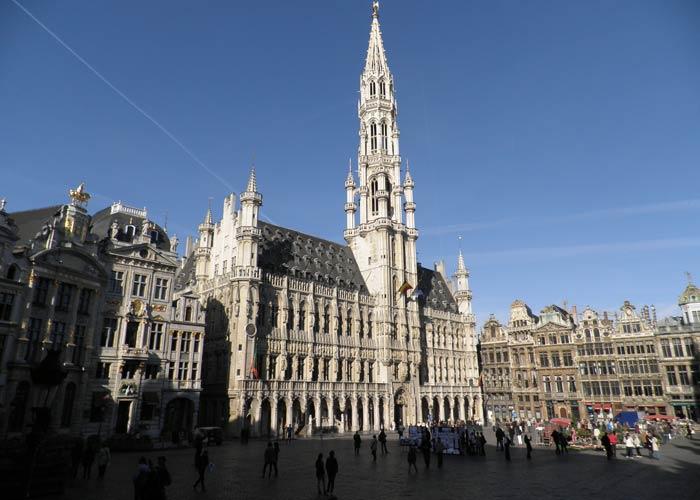 Grand Place de Bruselas plazas más bonitas de Europa