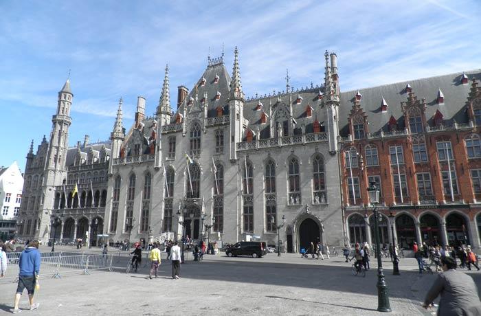 Grote Markt de Brujas plazas más bonitas de Europa