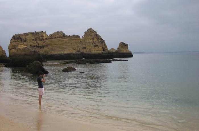Las tranquilas aguas de la playa de Dona Ana mejores playas del Algarve