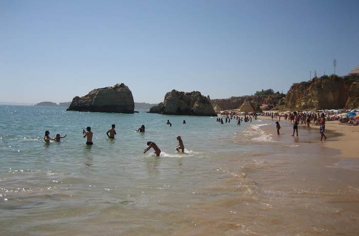 Playa dos Tres Castelos en Portimao mejores playas del Algarve