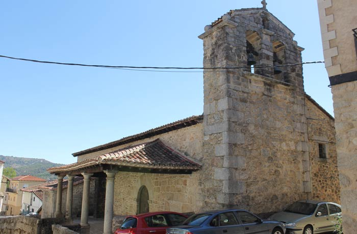 Iglesia de Santibáñez de la Sierra senderismo en Salamanca Miradores de las Sierras