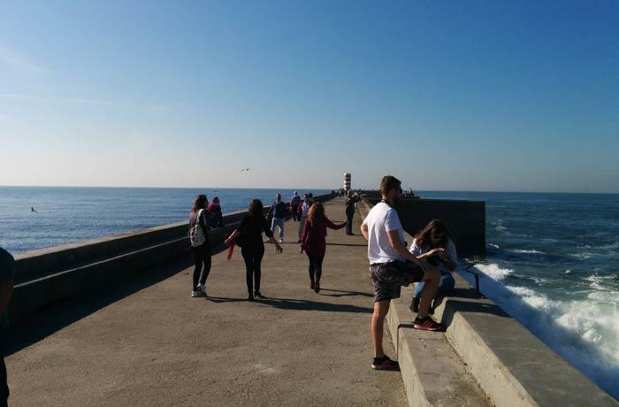 Espigón que lleva al faro de Felgueiras desembocadura del Duero