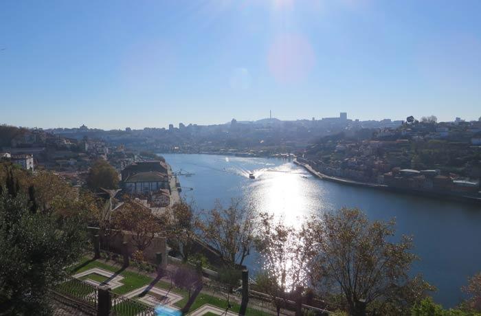 Vista desde los Jardines del Palacio de Cristal
