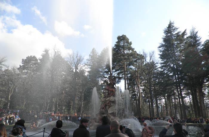 Fuente de La Fama en pleno funcionamiento qué ver en Segovia en un día