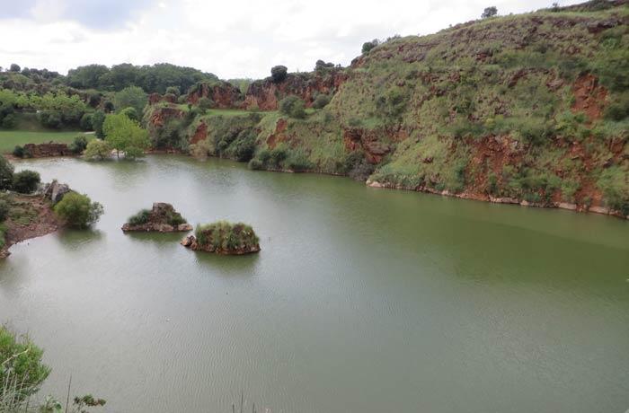 Lago Sexta de Cabárceno, el más grande del parque