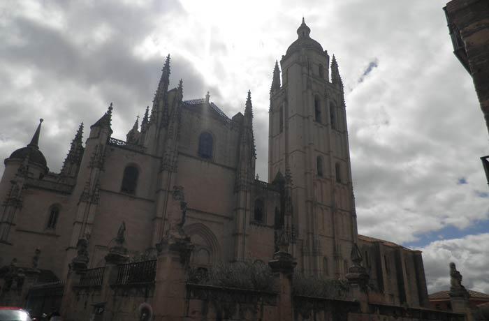 Otra vista de la Catedral de Segovia