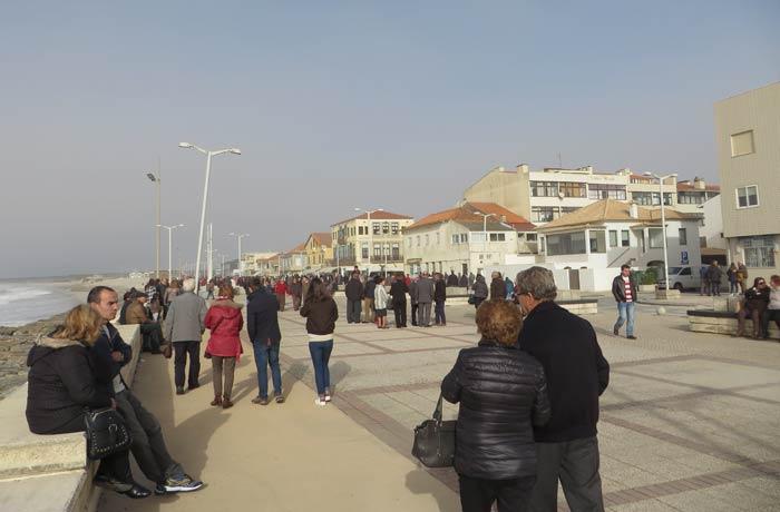 Ambiente en el paseo marítimo de Furadouro