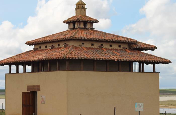 Observatorio de aves de Otero de Sariegos mejor época para visitar las Lagunas de Villafáfila