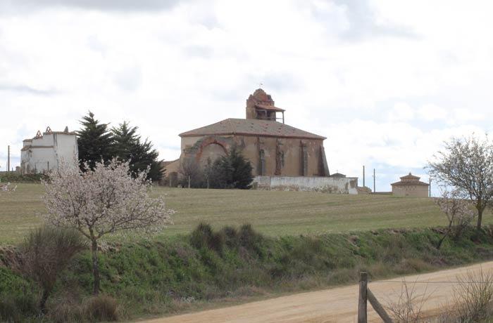 Iglesia de Otero de Sariegos mejor época para visitar las Lagunas de Villafáfila