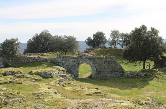 Restos del Castillo Castelo Mendo