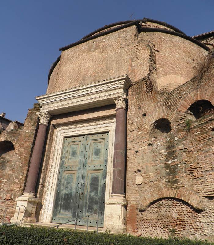 Templo de Rómulo Coliseo y Foro Romano