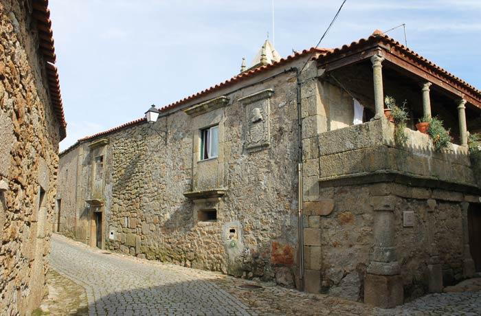 Casa do Fidalgo, una de las vivienda señoriales de la villa Castelo Bom