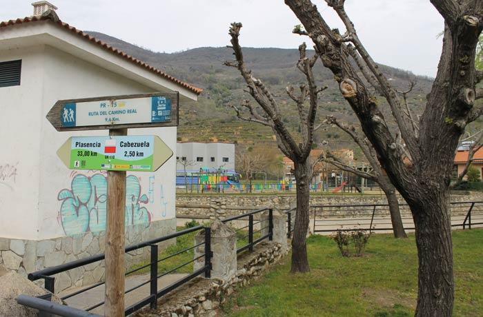 Inicio de la ruta entre Navaconcejo y Piornal senderismo en el Jerte