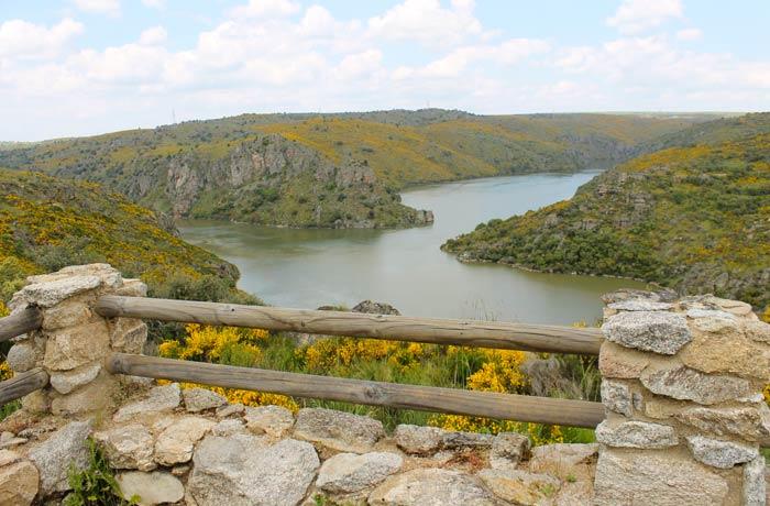 Mirador de la desembocadura del Esla Cascada de Abelón