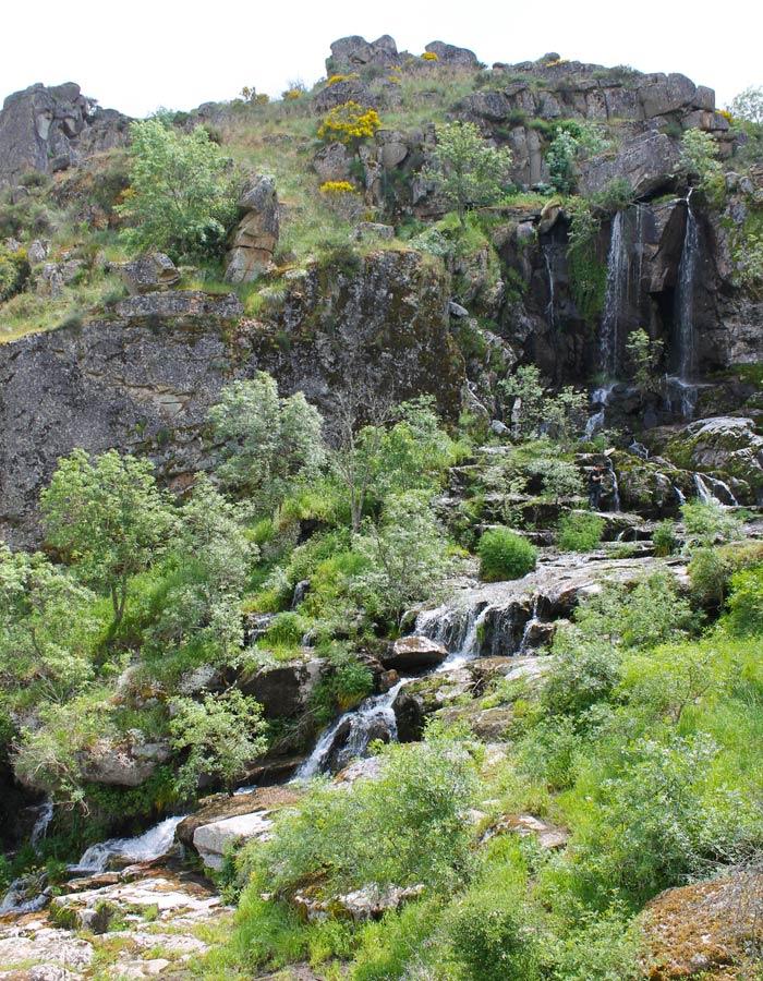 Panorámica de la Cascada de Abelón desde el Pozo del Cubo