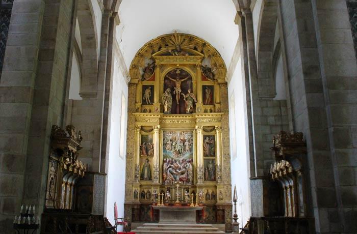Retablo del altar mayor de la Concatedral obra de Gregorio Fernández qué ver en Miranda do Douro