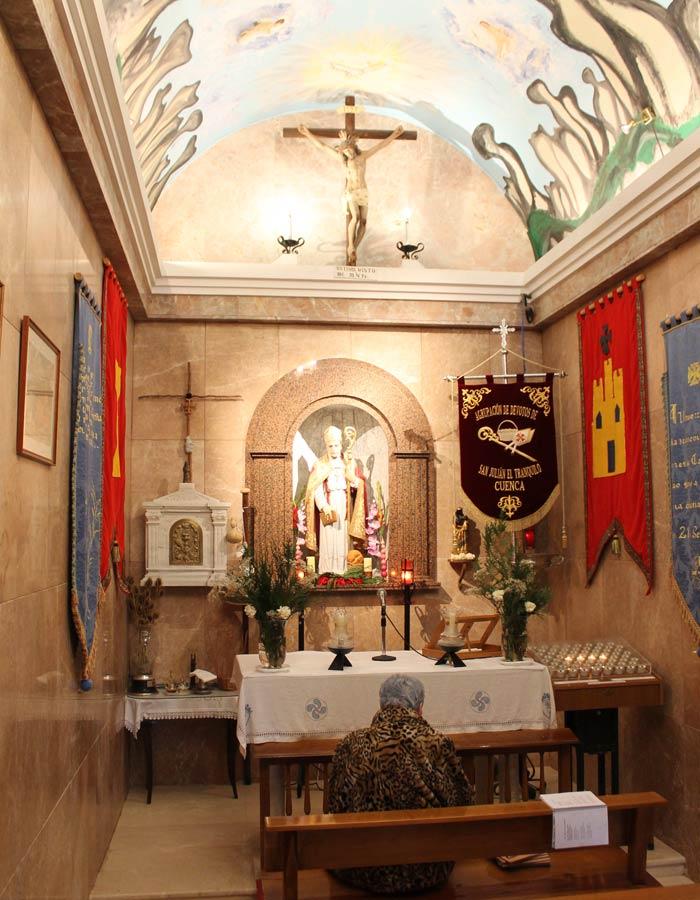 """Altar de la ermita de San Julián """"El Tranquilo"""" ruta de la Hoz del Júcar"""