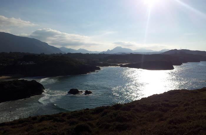 Atardecer en Celorio desde la punta Truenzo