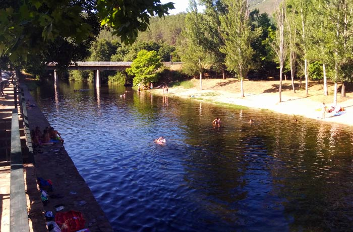 piscina natural de riomalo de abajo viaje con pablo