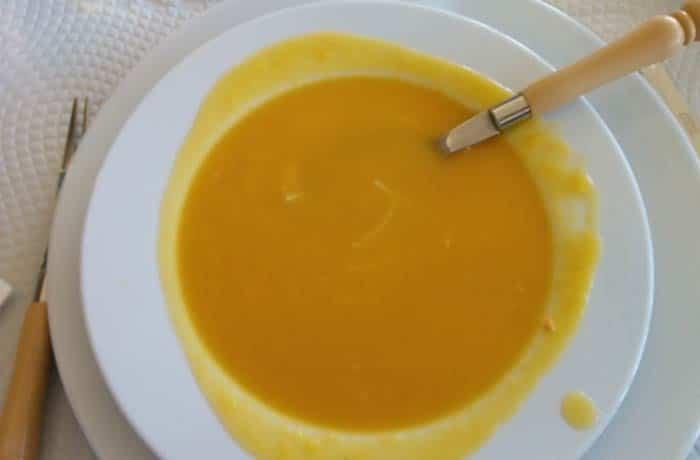 Sopa de verduras comer en Miranda do Douro