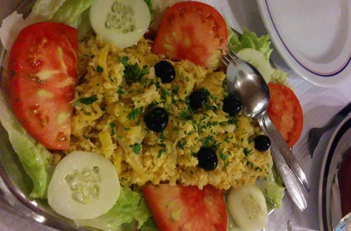 Bacalao a brás del restaurante Marigil comer en el Algarve