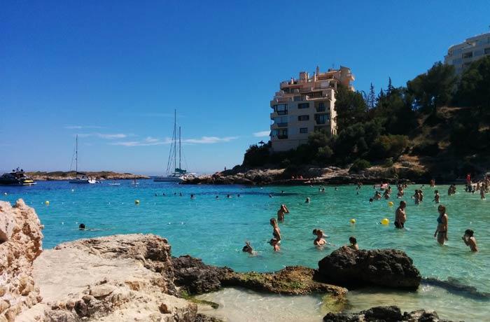 Entorno de la playa de Illetes Mallorca