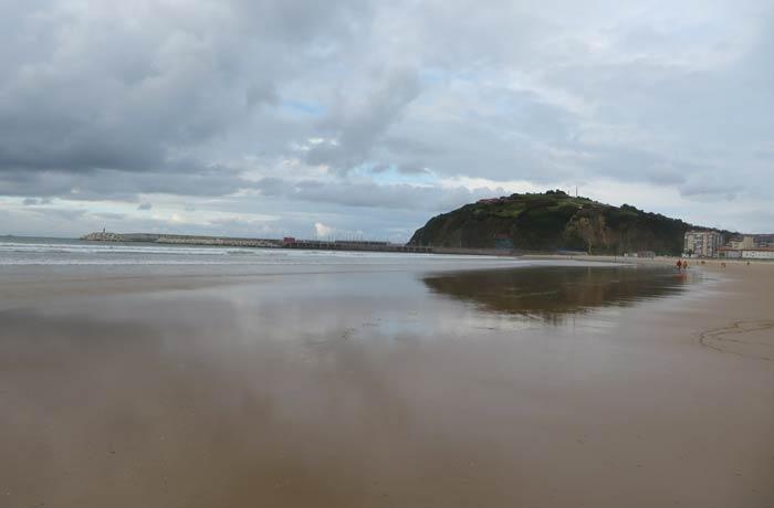 Vista de la playa de La Salvé y La Atalaya