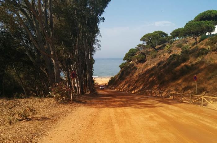 Acceso a la playa del Parador playas de Huelva